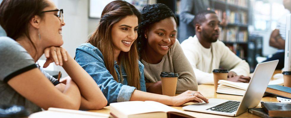 A De Montfort University oferece bolsa de estudos para atleta